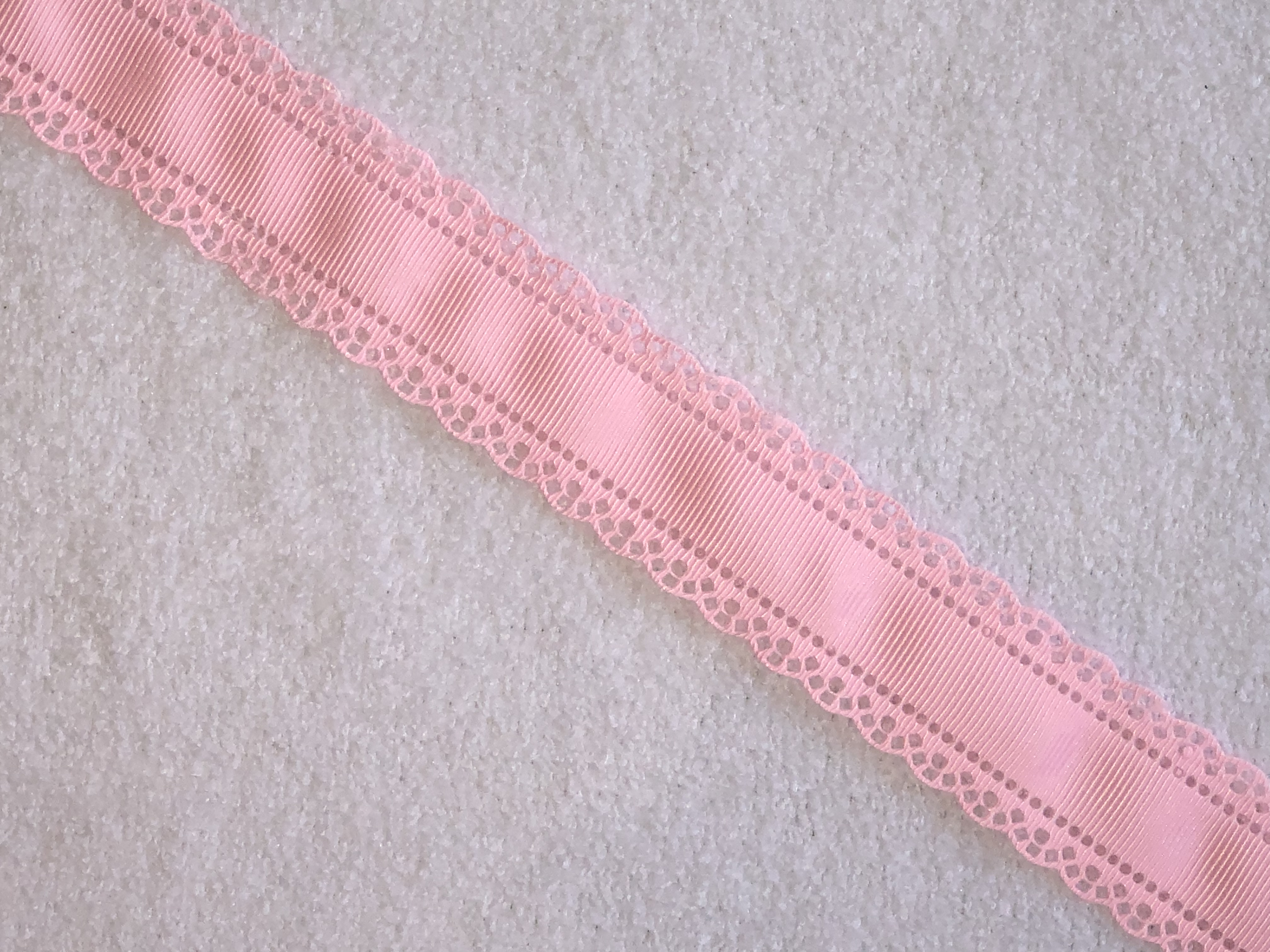 30mm Scallop Grosgrain Ribbon - Rose Pink x 1yd