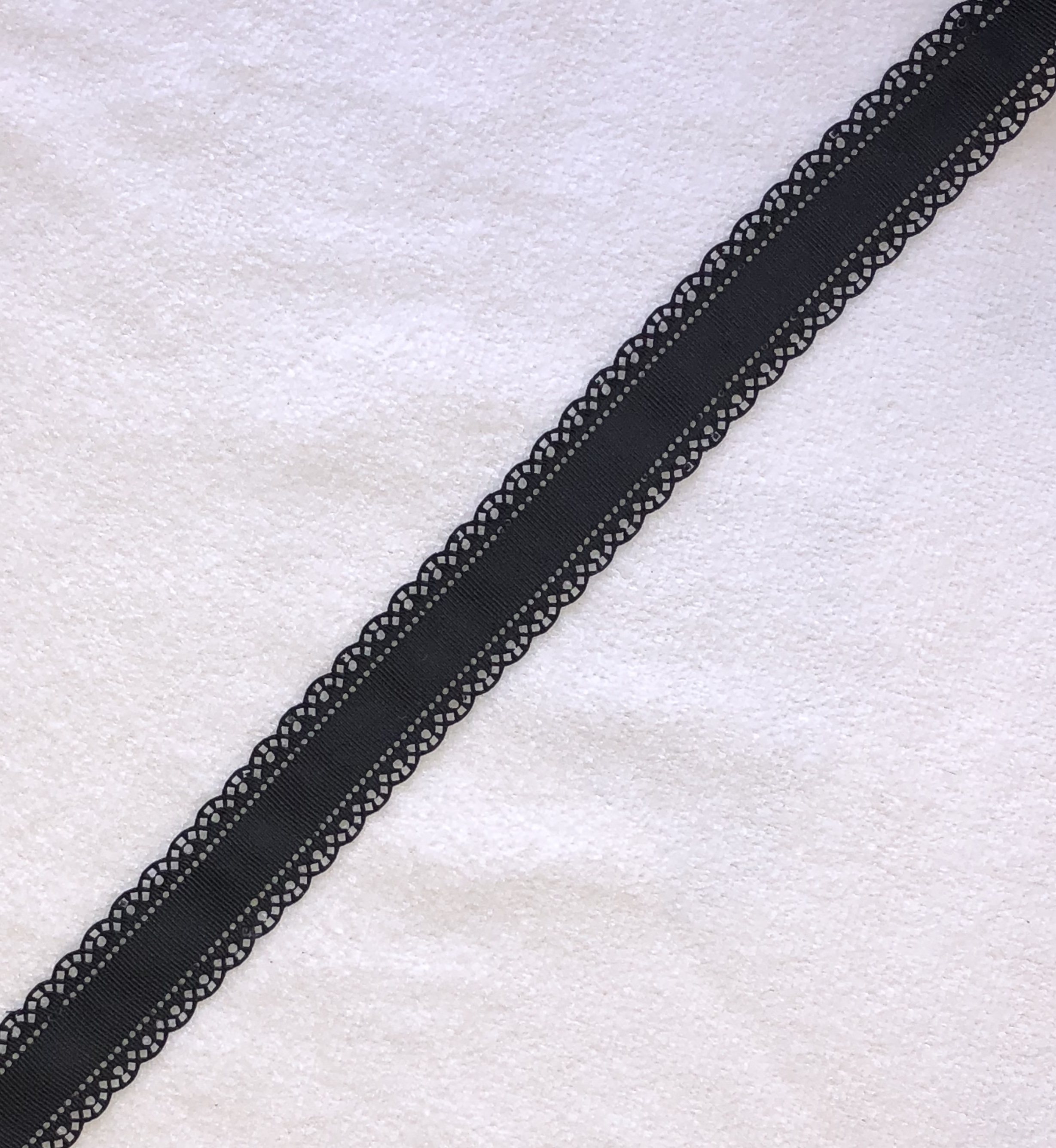 30mm Scallop Grosgrain Ribbon - Black x 1yd