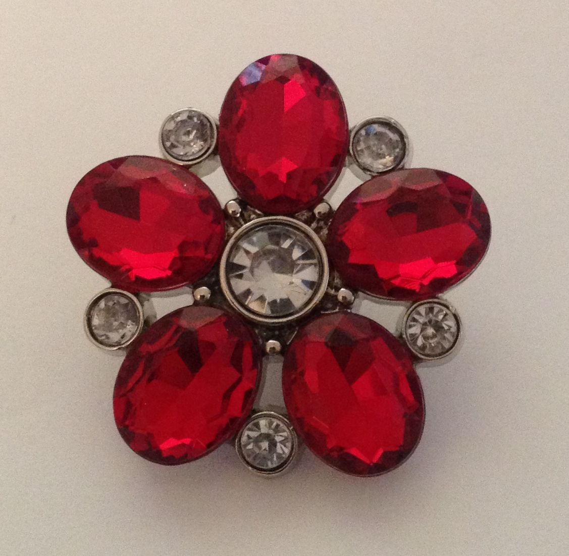 Flower Blingy Button - Red - 1 piece